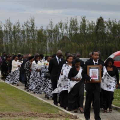Funérailles de Sophia Nyirabuhake (son épouse)