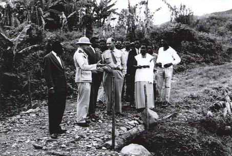 DM président et sn 1961 visite projet dvlpt